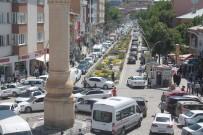 ARAÇ KONVOYU - Bayburt'ta Kurban Bayramı Yoğunluğu