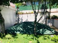 İBB Ekipleri Tarafından Üsküdar'da Vatandaşın Garajına Yıkım