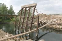 Köprü Yıkıldı, Sürücüler İsyan Etti