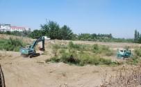 Salihli'de Muhtarlar Talep Etti, DSİ Temizliyor