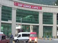 GEÇİŞ ÜCRETİ - Sarp Sınır Kapısı'ndan Kimliksiz Geçişler 15 TL'den 50 TL'ye Çıkartıldı