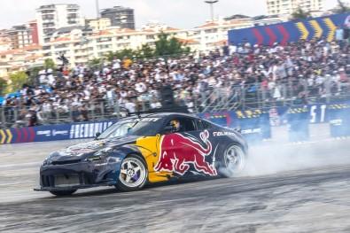 10 Bin İstanbullu Red Bull Car Park Drift Dünya Finali'ni İzledi