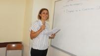 Burhaniye'de Üniversite Adayları İngilizce Kursuna Katıldı