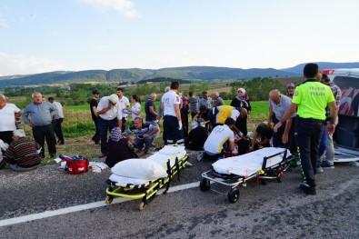 Kastamonu'da Yolcu Minibüsü İle Kamyonet Çarpıştı Açıklaması 1 Ölü, 16 Yaralı