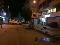 Ordu'daki Kazada Dolmuş Durağı Paramparça Oldu Açıklaması 3 Yaralı