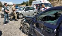 Otomobil Meyve Alanlara Çarptı Açıklaması 4 Yaralı