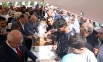 HİCRİ YILBAŞI - Büyükşehir'den 5 Bin Kişiye Aşure İkramı