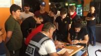 Uşak'ta Polis Ekipleri İnternet Kafeleri Denetledi