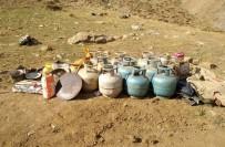 İÇ ÇAMAŞIRI - Van'da PKK'ya Ait 3 Sığınak İmha Edildi