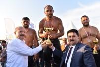 Altıeylül Güreşlerinde Ali Gürbüz Başpehlivan Oldu