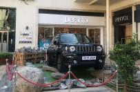 JEEP - Forum Aydın'da Alışverişler Jeep Renegade Sahibi Yapıyor