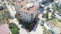 AYRANCıLAR - İstinat Duvarı Çöktü, 28 Aile Evinden Oldu