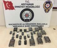 Kaçak Telefon Ve Parfümler Ele Geçirildi