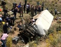 Bitlis'te minibüs şarampole devrildi: 10 ölü, 7 yaralı