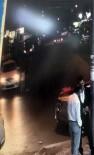 (Özel) Küçük Kız Aracın Altında Kaldı, Vatandaşlar Aracı Elleriyle Kaldırdı