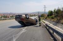 Rampadan İnen Otomobil Çekiciye Çarptı Açıklaması 2 Yaralı