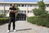 MOBİL UYGULAMA - 41 Yaşındaki Boya Ustası DGS İle Bilgisayar Mühendisliğini Kazandı