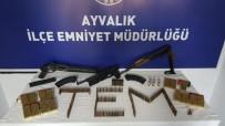 Ayvalık'ta Silah Operasyonunda Kalaşnikof Ele Geçirildi