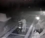 Düzce'de Motosiklet Çalan Acemi Hırsız Kameralara Yakalandı