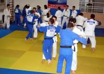 İşitme Engelli Judocular Avrupa Şampiyonası'na Manisa'da Hazırlanıyor