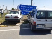 Konya'da Otomobille Hafif Ticari Araç Çarpıştı Açıklaması 7 Yaralı