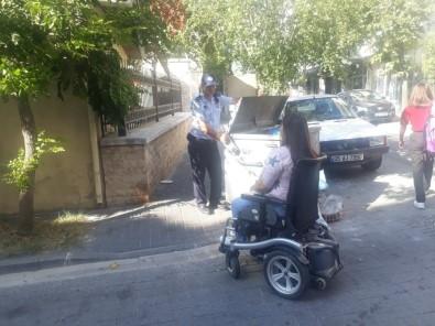 Manisa Büyükşehir Zabıtası Engelli Vatandaşların Yanında