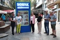 Merkezefendi Belediyesi 'Sokak Kütüphanesi' Kurdu