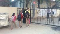 GECE BEKÇİSİ - Sokak kapandı okul bahçesi oldu