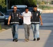 Ablasını 25 Yerinden Bıçakladı, Kaçarken Ambulansı Aradı