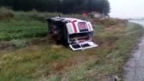 Denizli'de Ambulans Şarampole Devrildi Açıklaması 5 Yaralı