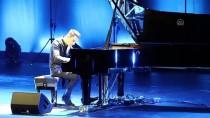 MİCHAEL JACKSON - 'En Hızlı Piyanist' İstanbul'da Konser Verdi