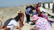 GRAFİKLİ - Pamukkale'yi 8 Ayda 1 Milyon 732 Bin Kişi Ziyaret Etti