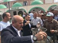 Kaymakam Arslan Ve Başkan Korkmaz Aşure Dağıttı