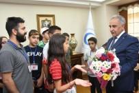 Kırşehirli Öğrenciler Rektör Turgut İle Bir Araya Geldi