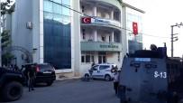 ÖZEL HAREKAT POLİSLERİ - Kulp Belediyesine Operasyon