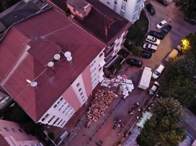 Maltepe'de Kolonlarında Çatlak Olan Bina Mühürlendi
