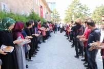 Nevşehir'de Anadolu Lisesi 9.Sınıf Öğrencilerine Simit İkram Edildi
