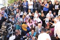 İSKENDER PALA - Sanat Camiasından Ailelerin HDP Önündeki Eylemine Destek