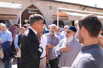 Sivas'ta Cami Cemaatinden Feyzioğlu'na Yoğun İlgi