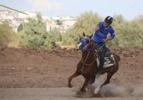 Sivas'taki Atlı Cirit Müsabakaları Nefes Kesti