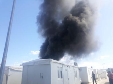 Yabancı Uyruklu Ailenin Kaldığı Konteynırda Yangın