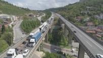 ZİNCİRLEME KAZA - 4 Araç Birbirine Girdi, TEM Otoyolunda 7 Kilometre Araç Kuyruk Oluştu