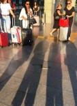 Havalimanına Valizle Geldi, Ortalığı Bir Birine Kattı