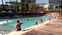 Kırıp Dökmenin Serbest Olduğu 'Stres Odalı' Otel