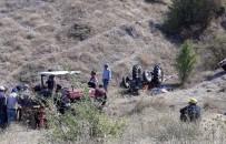 Kontrolden Çıkan Traktör Devrildi Açıklaması 1 Ölü, 1 Yaralı