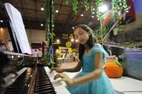 Menderes Standında Piyano Resitali