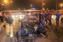 Önce Bariyerlere Sonra Başka Bir Otomobile Çarptı Açıklaması 5 Yaralı