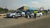Şanlıurfa'da İki Otomobil Çarpıştı Açıklaması 3 Yaralı