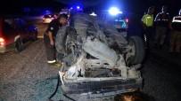 Tokat'ta Karşı Yöne Geçerek Çarpışan Otomobil Ters Döndü Açıklaması 5 Yaralı