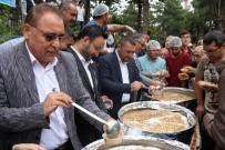 AK Parti İl Başkanlığı Aşure İkram Etti